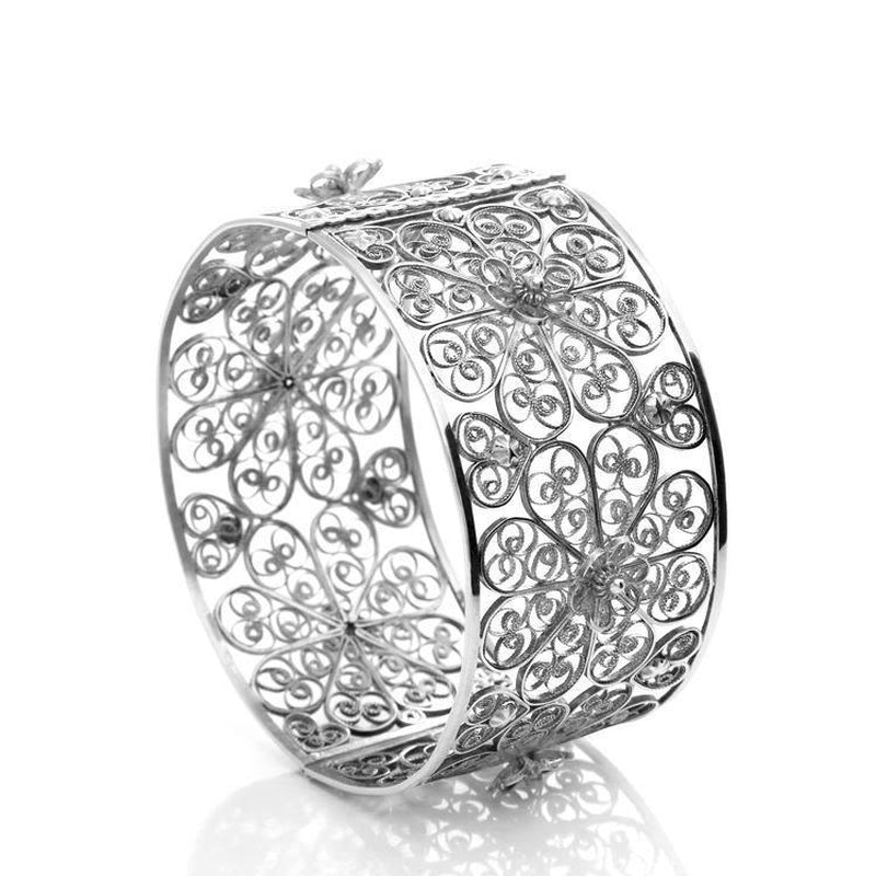 White Filigree Rosette Bangle-Arabel Lebrusan-MAMOQ