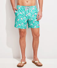 Load image into Gallery viewer, Vineyard Vines - Printed Chappy Trunks - Palm Hibiscus