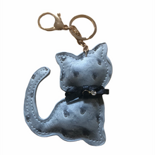 Load image into Gallery viewer, P.Leather Cat Keyring