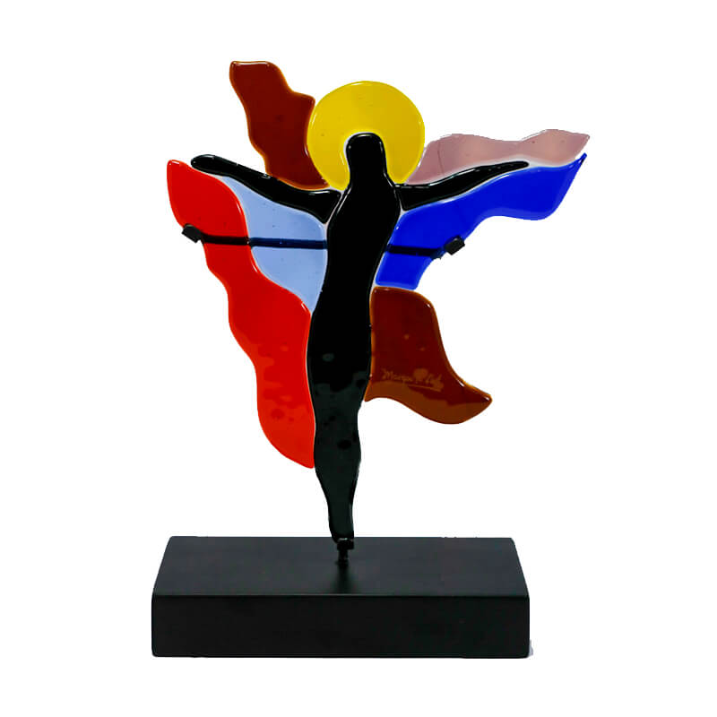 Vitrales Margarita Llort 2020 arte religioso Cristo Resucitado religion religious catholic christian art design stainglass colors home house office decor decoration interiors glass handmade crafted El Salvador artisan craftmade