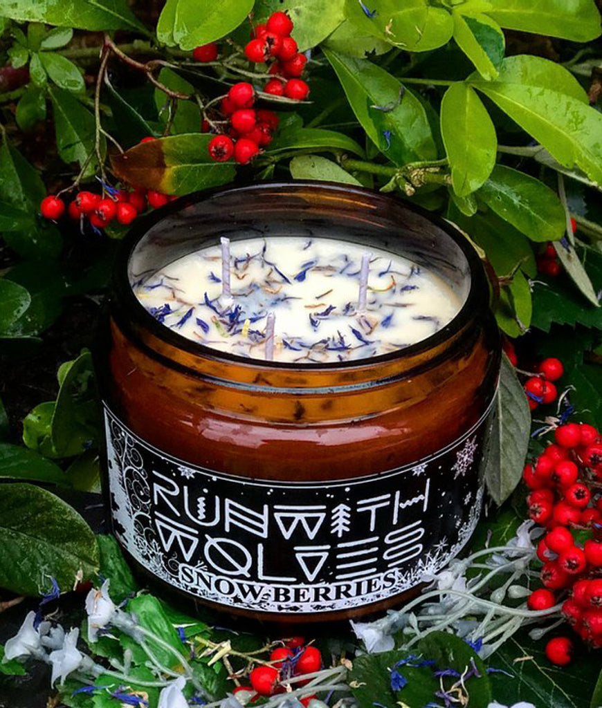 Run With Wolves Soy Wax Candle Snow Berries - XL 500ml