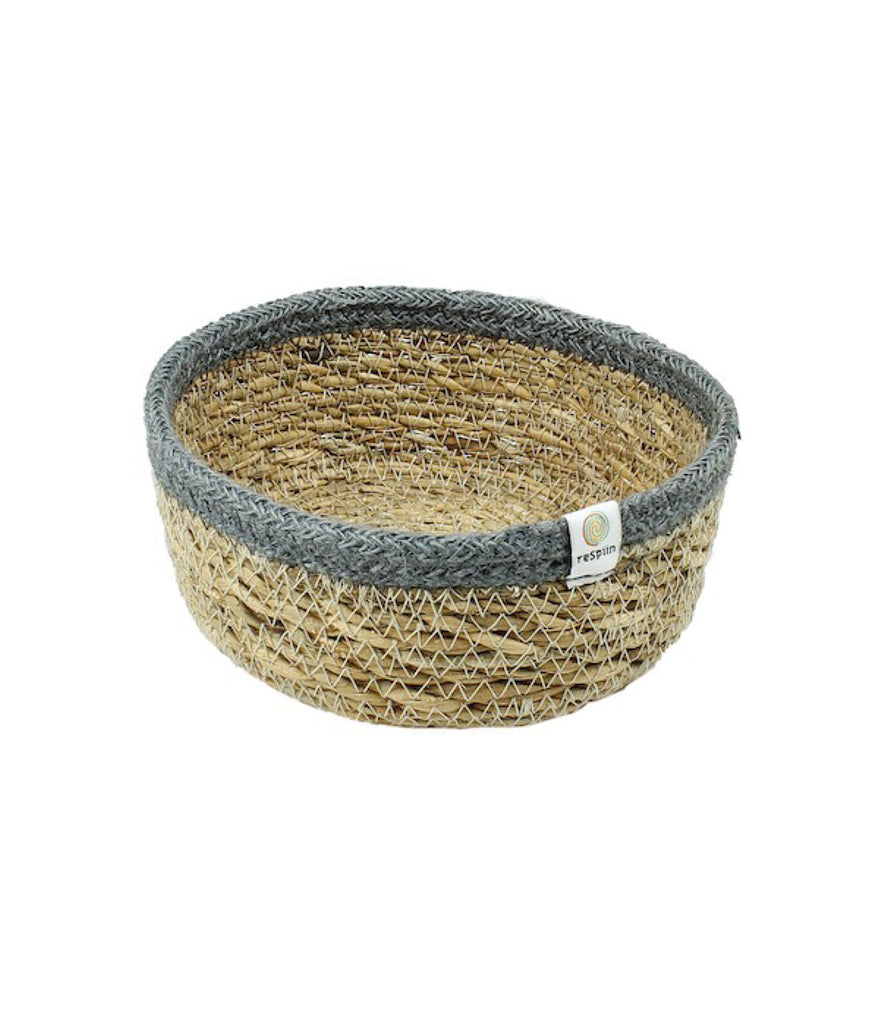 ReSpiin Shallow Seagrass & Jute Small Basket - Grey