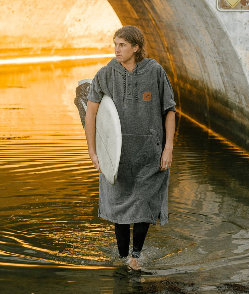 Slowtide Beach Poncho & Surf Robie - The Heather Digs