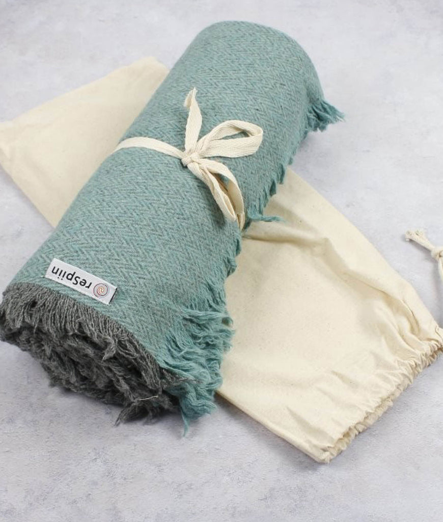 ReSpiin Zig Zag Recycled Wool Throw - Aqua
