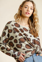 Load image into Gallery viewer, Umgee Latte Animal Print Tunic
