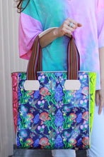 Load image into Gallery viewer, Consuela Bonnie Classic Tote