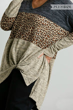 Load image into Gallery viewer, Umgee Color Block Heather Knit Animal Print Top in Black Mix