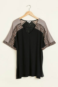 Umgee Black and Animal Print Casual Top