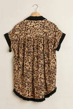 Load image into Gallery viewer, Umgee Black Button Down Tunic with Animal Print Back