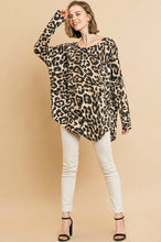 Load image into Gallery viewer, Umgee Asymmetrical Leopard Print Top
