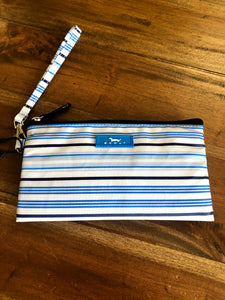 Scout Kate Wristlet in Out of the Blue
