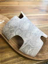 Load image into Gallery viewer, Corkys Bogalusa Sandal in Champagne - June Adel
