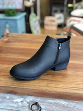 Load image into Gallery viewer, Pierre Dumas Zoey-25 Black Ankle Boots