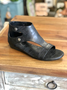 Boutique by Corkys Ohana in Black - June Adel