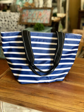 Load image into Gallery viewer, Scout Daytripper Shoulder Bag in Nantucket Navy