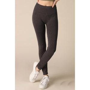 Seamless Leggings with Vintage Wash in Vintage Black - June Adel