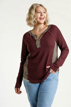 Load image into Gallery viewer, Umgee Burgundy Top with Leopard Print Trim
