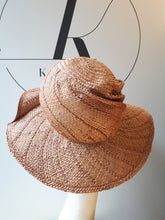 Load image into Gallery viewer, Streetstyle Summer hat in Straw