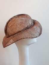 Load image into Gallery viewer, Elegant Summer Hat in Sisal FS2618