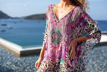 Charger l'image dans la galerie, Rose Leo Godiva Maxi Kaftan - Resort Collection