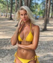 Load image into Gallery viewer, Andressa Gul Triangel Bikini - www.kaandabeachlife.se