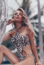 Load image into Gallery viewer, Cheetah High Cut Out - www.kaandabeachlife.se