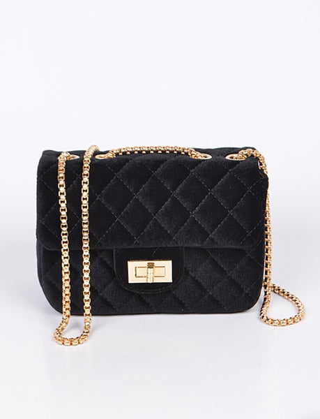 Fashion Clutch With Chain Detail