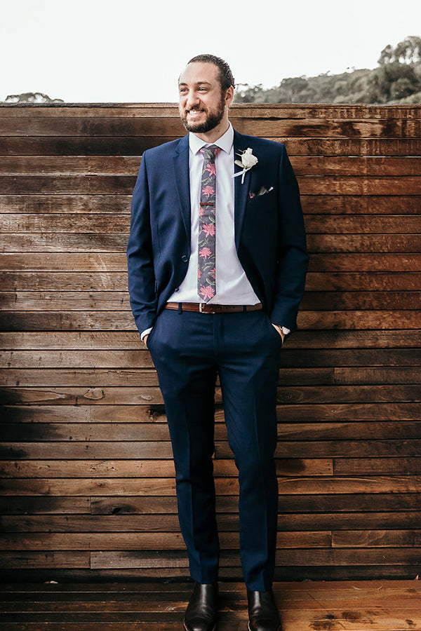 Wedding Tie - Waratah