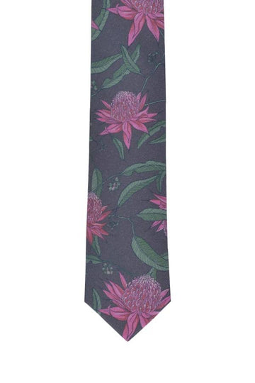 Wedding-tie-waratah