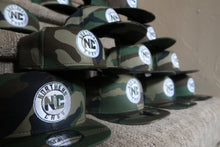 Load image into Gallery viewer, Camo Snapback