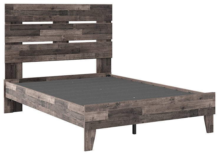 Neilsville Signature Design by Ashley Full Panel Platform Bed