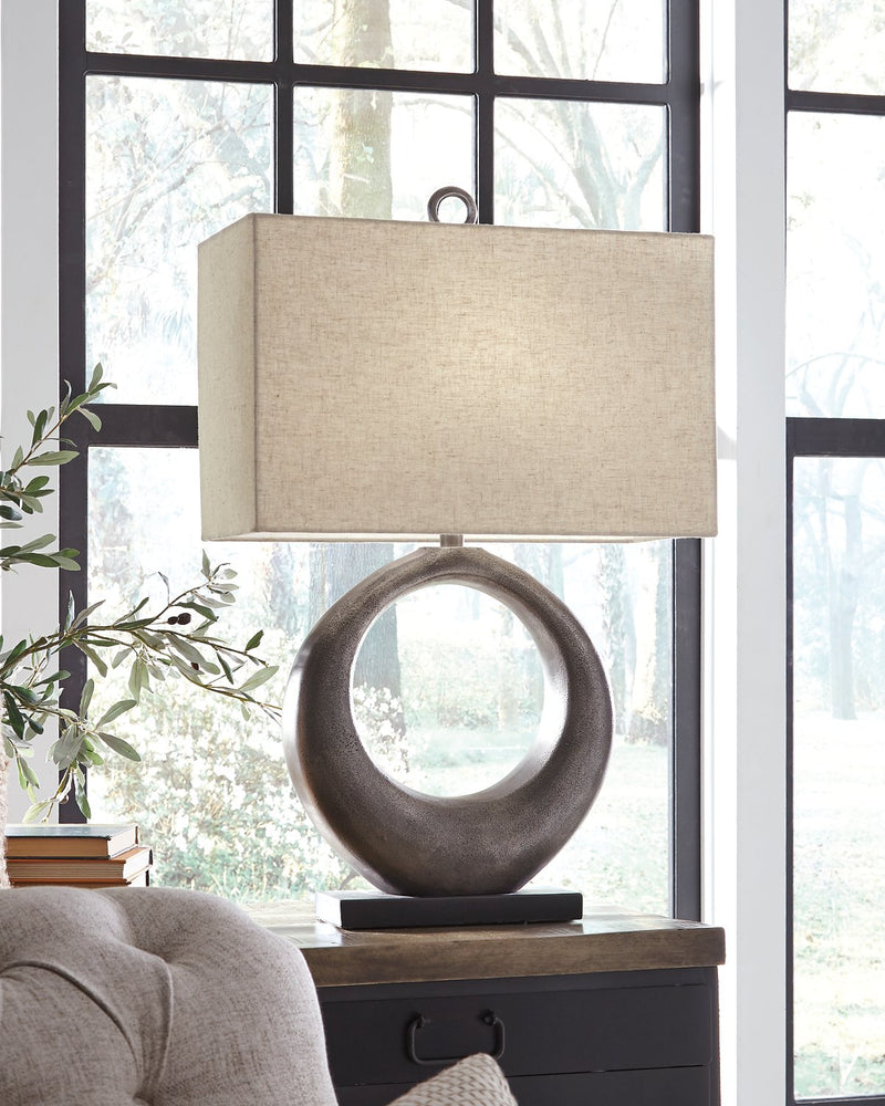 Saria Signature Design by Ashley Table Lamp