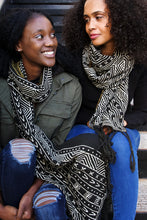 Load image into Gallery viewer, Black and White Pattern Cotton Shawl from Mali - Earthnic Lifestyle
