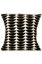 Load image into Gallery viewer, Timbuktu Dunes Organic Cotton Cushion - Earthnic Lifestyle
