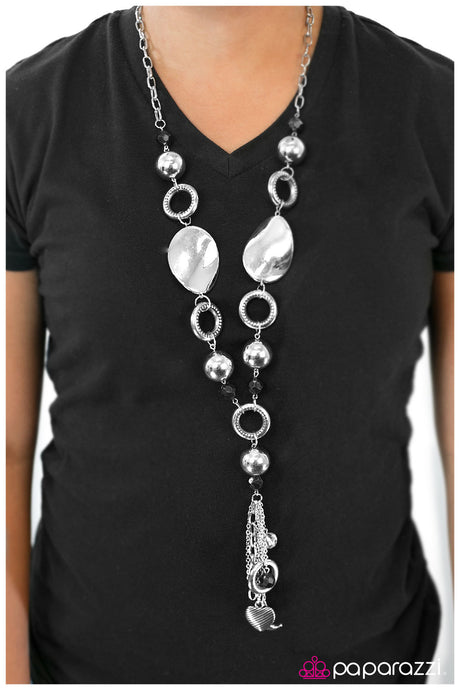 Paparazzi Total Eclipse of the Heart Silver Necklace Blockbuster