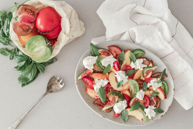 Tomato, fig and peach buratta salad | Abeego Beeswax Food Wrap