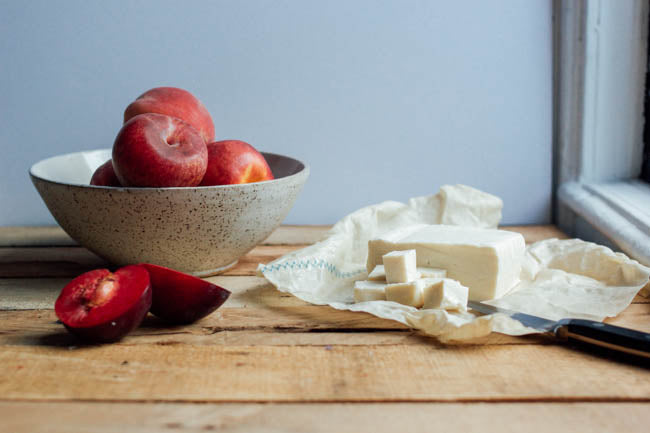 keep plums and feta fresh with Abeego