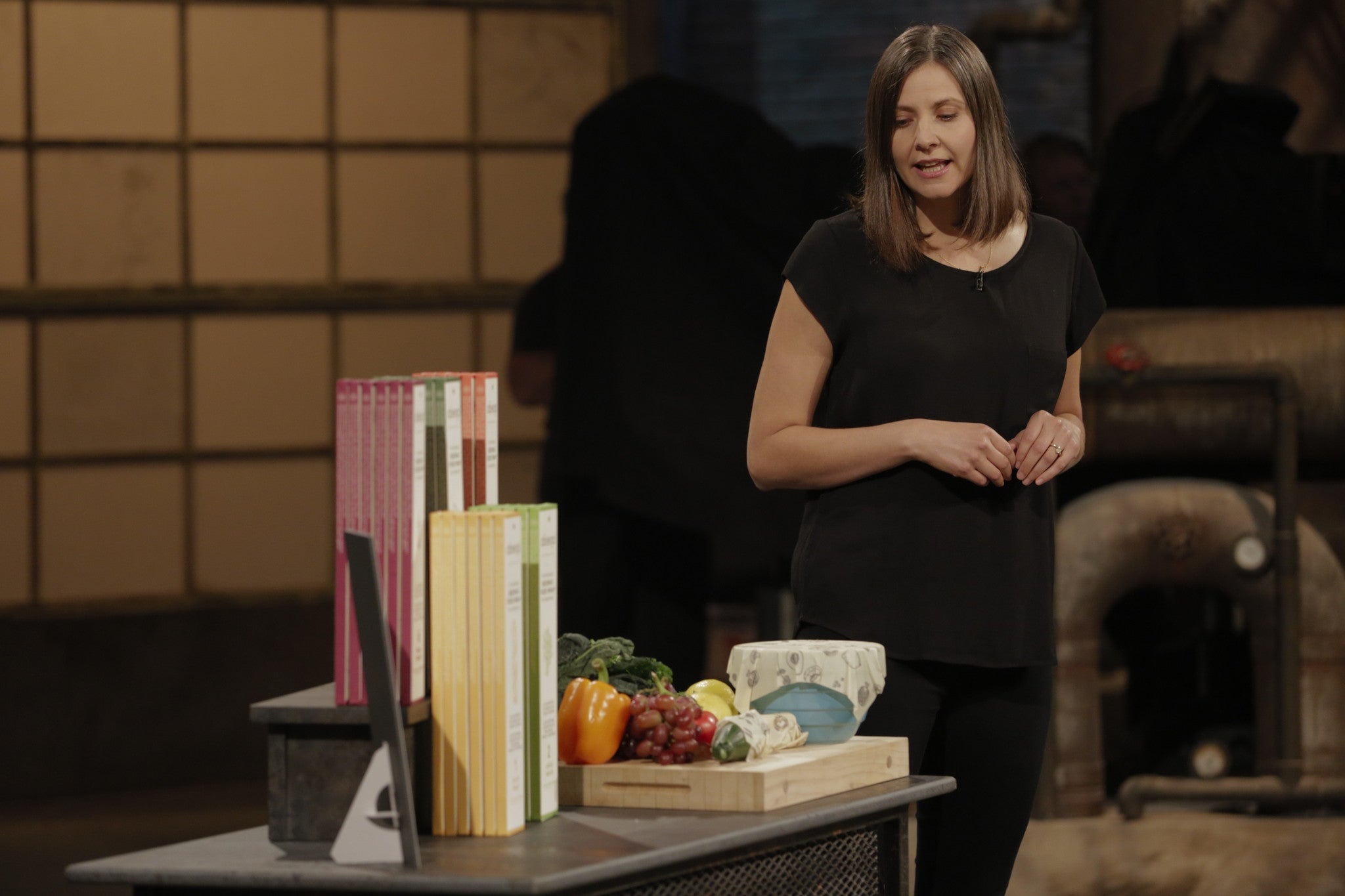 abeego pitches on cbc dragons den