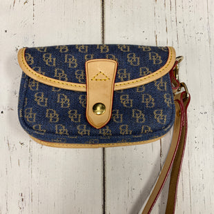 Primary Photo - BRAND: DOONEY AND BOURKE STYLE: WRISTLET COLOR: BLUE SKU: 144-14411-72715
