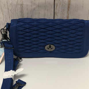 Primary Photo - BRAND:    CLOTHES MENTOR STYLE: CLUTCH COLOR: BLUE OTHER INFO: LUG - NEW! ALLEGRO MEDIUM SKU: 144-144129-286