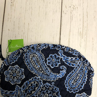 Primary Photo - BRAND: VERA BRADLEY STYLE: MAKEUP BAG COLOR: BLUE WHITE OTHER INFO: NEW! - LARGE RUFFLE SKU: 144-14483-83749