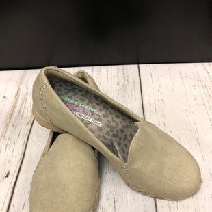 Primary Photo - BRAND: SKECHERS STYLE: SHOES FLATS COLOR: KHAKI SIZE: 7.5 SKU: 144-14483-86535