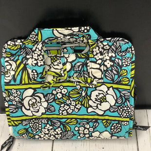 Primary Photo - BRAND: VERA BRADLEY STYLE: MAKEUP BAG COLOR: BLUE SIZE: 01 PIECE SKU: 144-144138-512