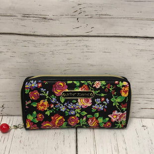Primary Photo - BRAND: BETSEY JOHNSON STYLE: WALLET COLOR: FLORAL SIZE: LARGE SKU: 144-14483-86642