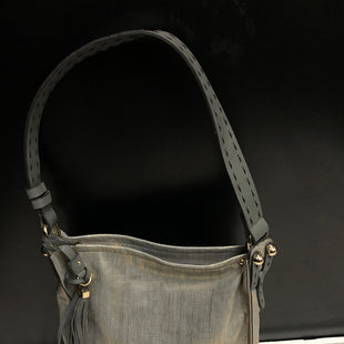 Primary Photo - BRAND:    CLOTHES MENTOR STYLE: HANDBAG COLOR: GREY SIZE: LARGE OTHER INFO: SONDRA ROBERTS - SKU: 144-14483-84088