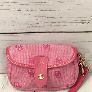 Primary Photo - BRAND: DOONEY AND BOURKE STYLE: WRISTLET COLOR: PINK SKU: 144-14483-85596