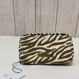 Primary Photo - BRAND:    CLOTHES MENTOR STYLE: MAKEUP BAG COLOR: ANIMAL PRINT OTHER INFO: TARTAN + TWINE - NEW! SKU: 144-144127-2273