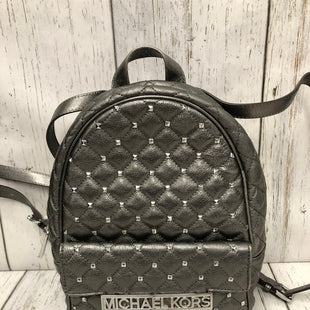 Primary Photo - BRAND: MICHAEL KORS STYLE: BACKPACK COLOR: PEWTER SIZE: MEDIUM OTHER INFO: KIM STUDDED QUILTED LEATHER SKU: 144-14483-87147