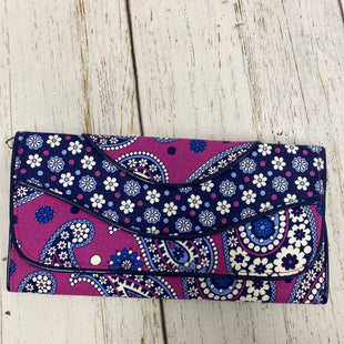 Primary Photo - BRAND: VERA BRADLEY STYLE: CLUTCH COLOR: PURPLE SKU: 144-14483-81749CLUTCH IN BOYSENBERRY