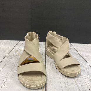 Primary Photo - BRAND:    CLOTHES MENTOR STYLE: SANDALS FLAT COLOR: BEIGE SIZE: 9 OTHER INFO: EARTH SPIRIT  - NEW! SKU: 144-144138-744R